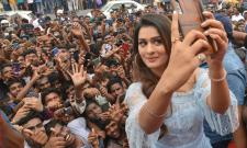 Payal Rajput Touch Mobiles Store Launch at Dilsukhnagar Photo Gallery - Sakshi