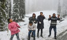 Heavy Snowfall Hits Jammu Kashmir Photo Gallery - Sakshi