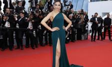 Deepika Padukone Photo Gallery - Sakshi