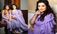 Heroine Meena Cute Photos With Daughter Photo Gallery - Sakshi
