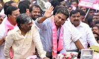 KTR Road show in Telangana Bhavan Photo Gallery - Sakshi