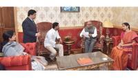 YS jagan meets Governor ESL Narasimhan Photo Gallery - Sakshi