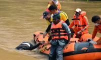 Ongoing Operation Godavari Boat Lift Out Photo Gallery - Sakshi