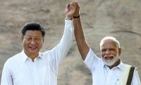Prime Minister Narendra Modi with Chinese President Xi Jinping in Mamallapuram Photo Gallery - Sakshi