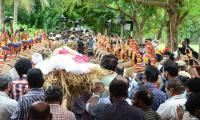 SP Balasubrahmanyam funeral Photo Gallery - Sakshi