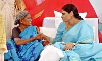 YS Sharmila holds hunger strike against unemployment - Sakshi