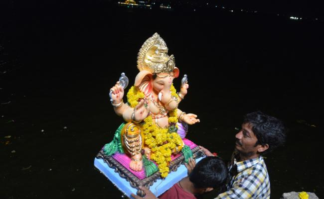 Hyderabad Ganesh Nimajjanam in Tank Bund Photo Gallery - Sakshi
