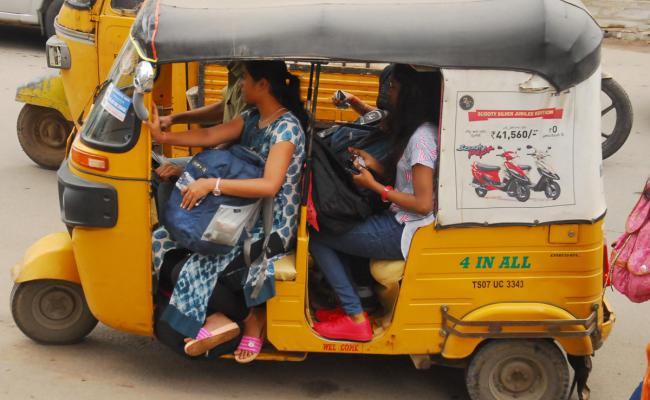 Students Facing Problems With TSRTC Strike - Sakshi