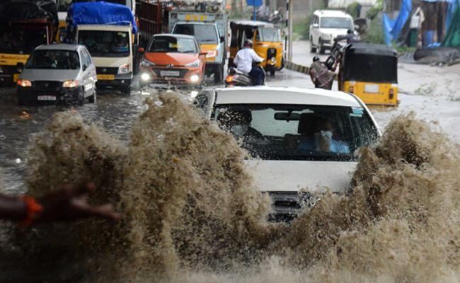 heavy rainfall in hyderabad Photo Gallery - Sakshi