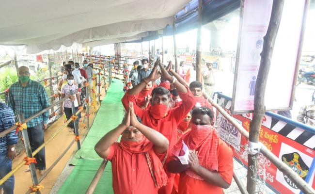 dussehra sharan navaratri festival in indrakiladri at vijayawada photo gallery - Sakshi