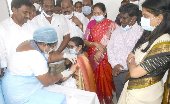 COVID vaccination drive action plan in Telugu states Photo Gallery - Sakshi