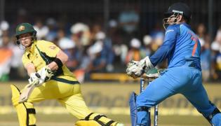 Australia set target of 294 runs