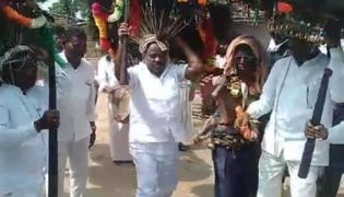 Minister Jogurammanna Dance in Dandari Celebrations