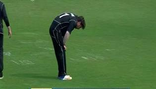 Colin de Grandhomme getting ill during a ODI