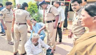 police files cases against farmers in vijayawada - Sakshi - Sakshi - Sakshi - Sakshi - Sakshi
