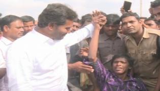 Handicapped persons meet YS Jagan - Sakshi