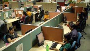 Bulk hiring decreases in IT Companies - Sakshi