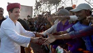 Congress loses Gujarat but may gain back its mojo in coming polls - Sakshi