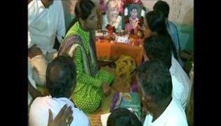Sharmila paramarsha yatra in adilabad distirict - Sakshi