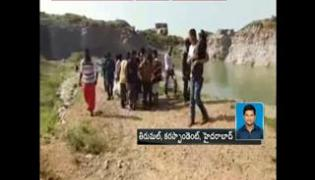 two students died with selfie - Sakshi