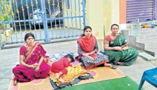 women empowerment :  Everyone is harassing the girl together - Sakshi
