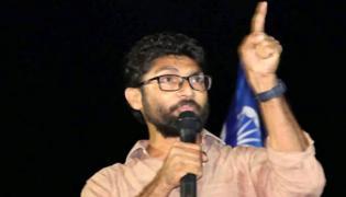 Jignesh Mevani alleges Gujarat Police planning to kill him in encounter - Sakshi