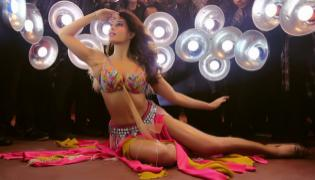 Jacqueline Fernandez Shares Madhuri Dixit Iconic Song Remix Teaser - Sakshi