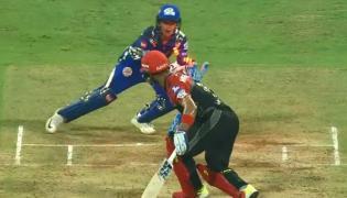 Krunal Pandya gets two Wickets in a Single fair Ball - Sakshi