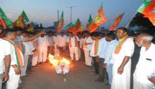 Mla Balakrishna Is A Scarecrow Burning - Sakshi