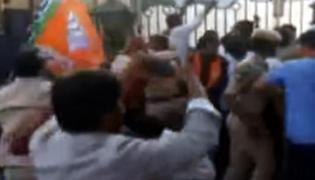 BJP Workers Protest Outside Balakrishna Residence - Sakshi