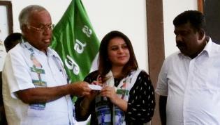 Karnataka Elections 2018, Sandalwood actress Pooja Gandhi re-joins JD(S) - Sakshi