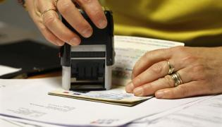 Rescinding of H-4 visa work permit in final stages - Sakshi