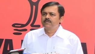 Bjp Mp GVL Narasimharao Demands Enquiery On Ttd Ornaments - Sakshi