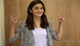 Alia Bhatt, Vicky Kaushal Raazi Heads Towards Blockbuster  - Sakshi