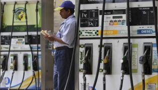 Petrol Up By Rs 11 Since Karnataka Poll - Sakshi