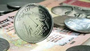 Rupee hits record low of 69.01 against US dollar - Sakshi