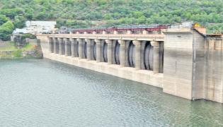 Huge flood water to the Srisailam Dam - Sakshi