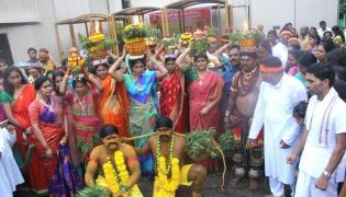 Bonalu jathara held in Singapore - Sakshi