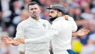 Hardik Pandya stars as tourists take control in Third Test - Sakshi