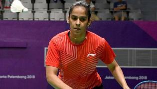 Saina Nehwal settles for bronze after semifinal loss - Sakshi
