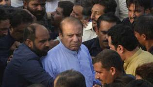 Pakistan court releases ex-PM Nawaz Sharif and daughter  - Sakshi