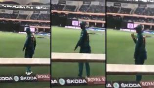 Moment when Shoaib Malik waved at Indian fans calling him 'jeeju - Sakshi
