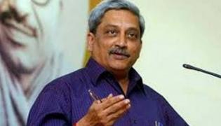 Manohar Parrikar Removes Two Ailing Ministers From Cabinet - Sakshi