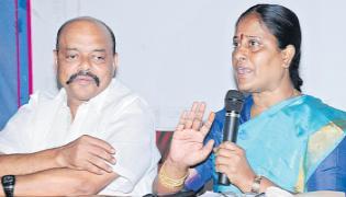 Konda Surekha couple to the front of the media today - Sakshi