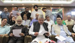 Indai And Pak Must Start Talks To Soulution Of Kashmir - Sakshi