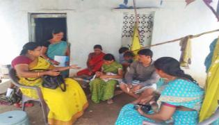 ICDS Officers Counseling With Couple In Nalgonda - Sakshi
