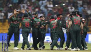 Bangladesh beat Pakistan, enter final - Sakshi