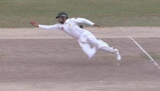 Babar Azam Takes a Stunning Catch to Dismiss Mitchell Starc During Pakistan vs Australia Test Match  - Sakshi