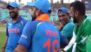 Shoaib Malik Recalls When Kohli And Him Laughed Funny Dropped Catch - Sakshi