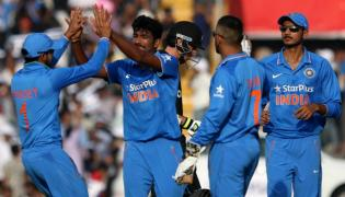 India crush West Indies by 224 runs, take 2-1 lead - Sakshi